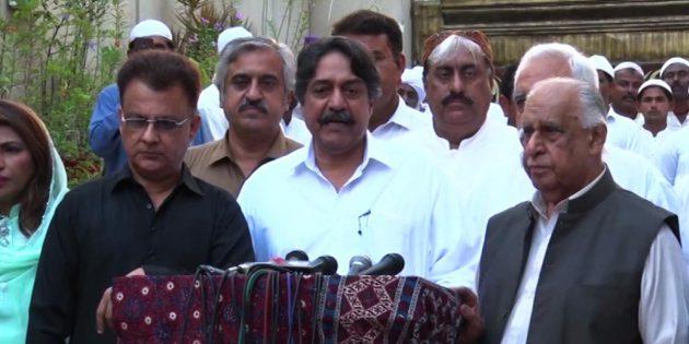 Pir pagara over Sindh Government