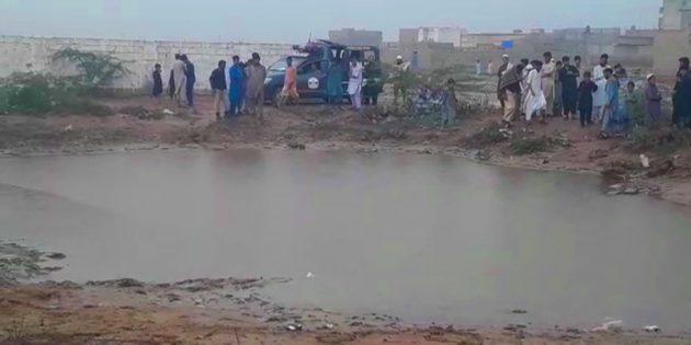 Children drown in rain water: Karachi