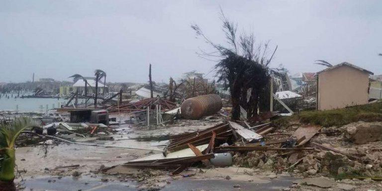 Strong Hurricane hits Bahamas