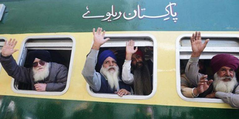 Sikh travel from Karachi to Kartarpur