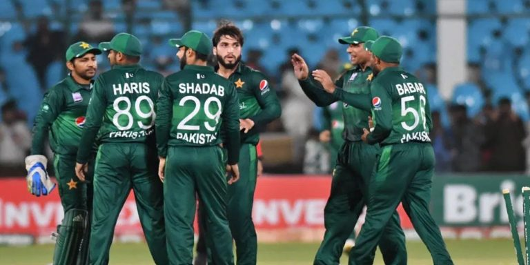 Pakistan beat Sri Lanka by five wickets in third ODI, take series 2-0