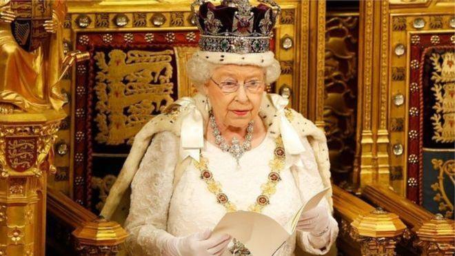 Coronavirus in UK-Queen Elizabeth II calls for unity