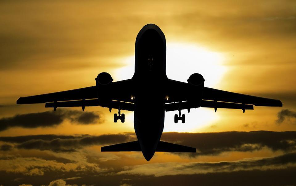 Pakistan CAA traffic controller saves Indian flight