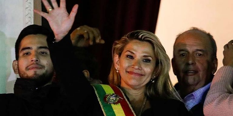 Opposition leader in Bolivia claims presidency