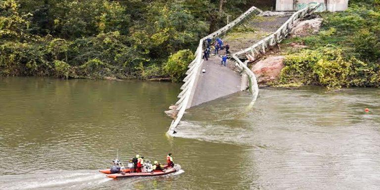 bridge collapsed in france