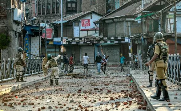 5 Kashmir youth killed, Kashmiri students stranded in Rajasthan