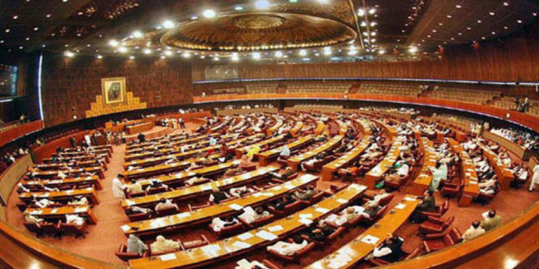 Senate members draft bill to raise salaries by 400%