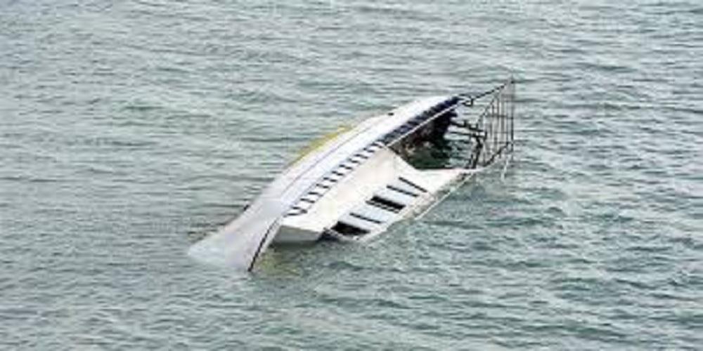 boat sunk in lake van in turkey