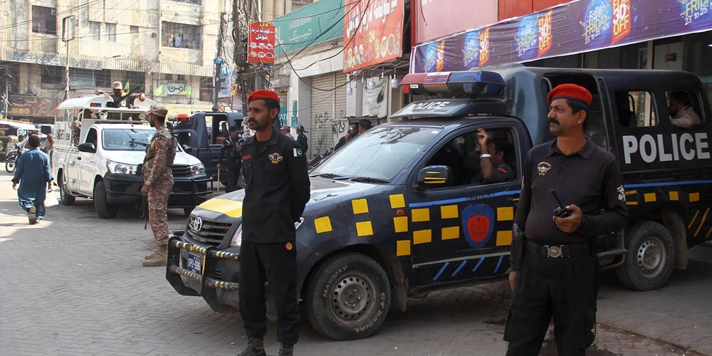 police shoots youth in Karachi