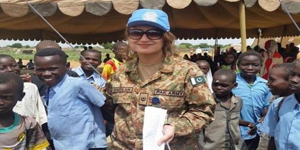Pakistani female officers