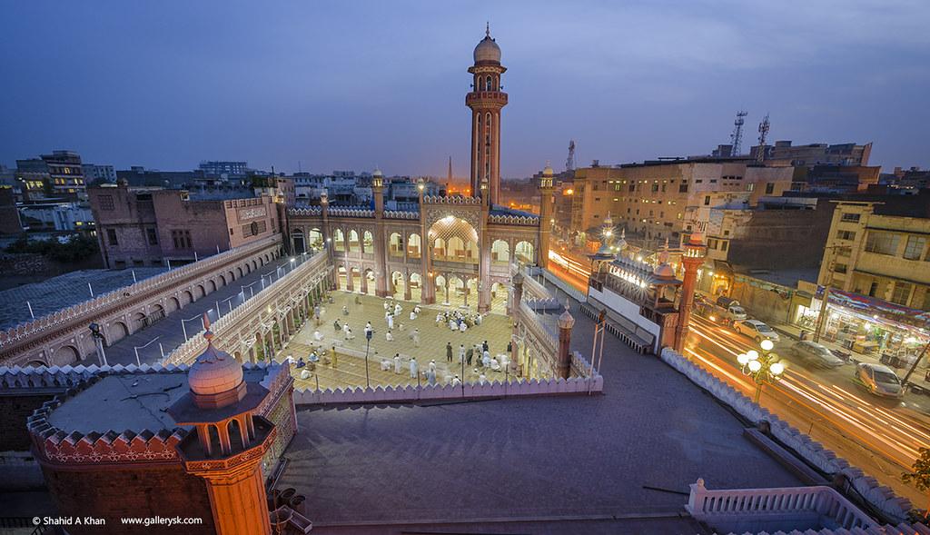 Sunehri Masjid opens door for women
