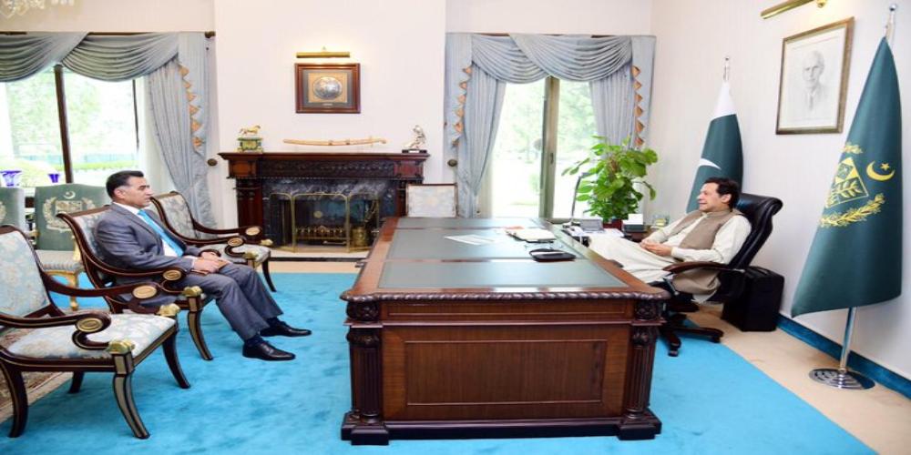 PM Imran, DG ISI discuss national security