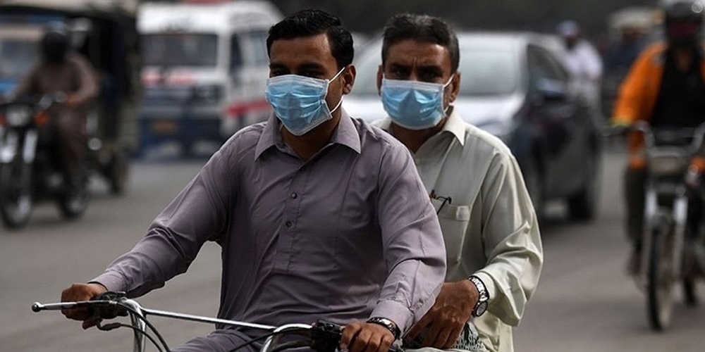 Face masks compulsory in public as Pakistan sees daily spike in coronavirus cases