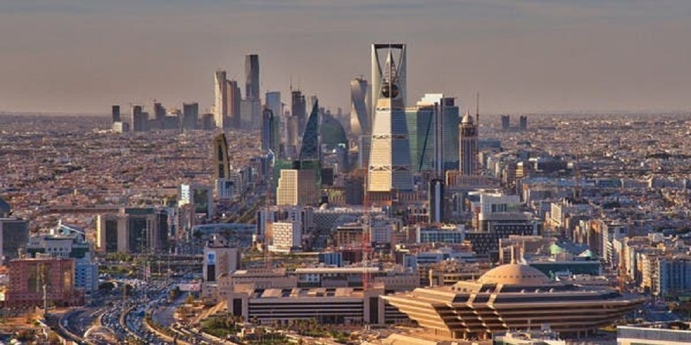Saudi Arabia to reduce salaries by 40% amid coronavirus pandemic