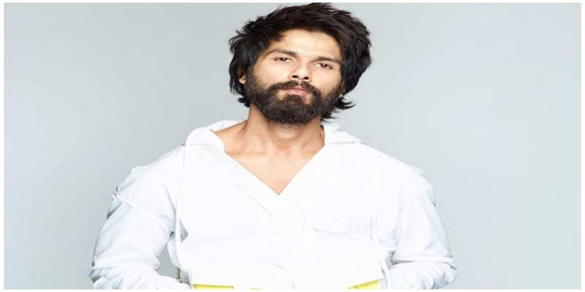 Shahid Kapoor financially helps 40 background dancers facing financial crisis