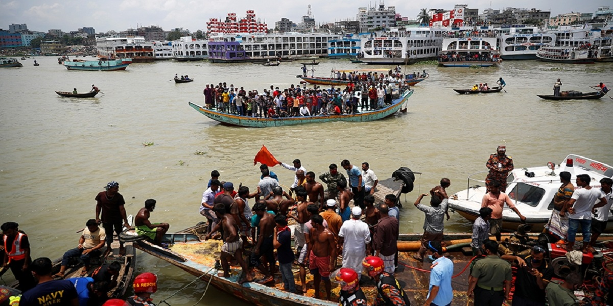 30 Died in ferry accident in Dhaka, Bangladesh