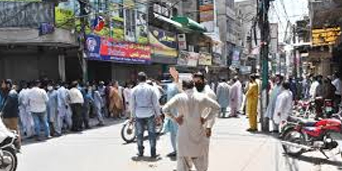 Punjab govt decides to tighten lockdown in Lahore