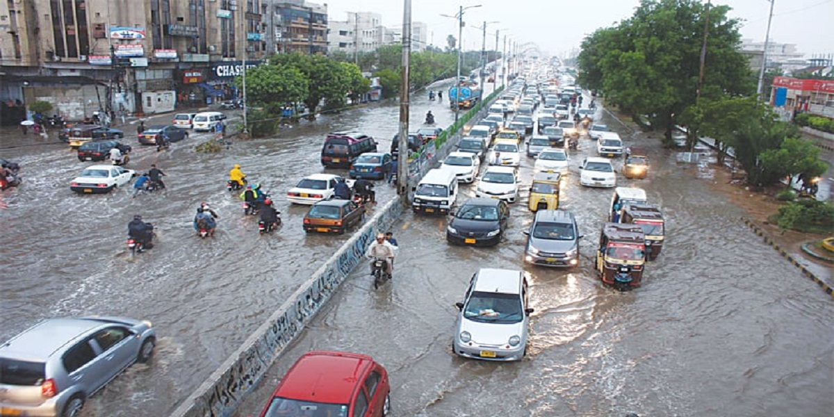 Heavy rainfall with thunderstorms to hit Karachi today