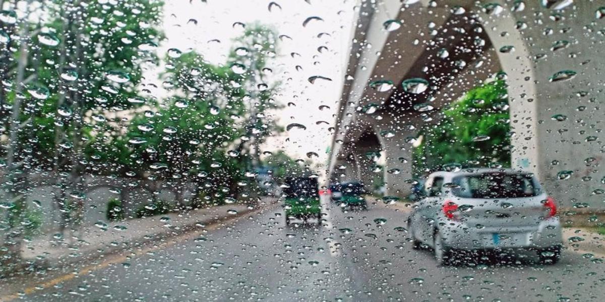 Rain-wind-thunderstorm in upper areas