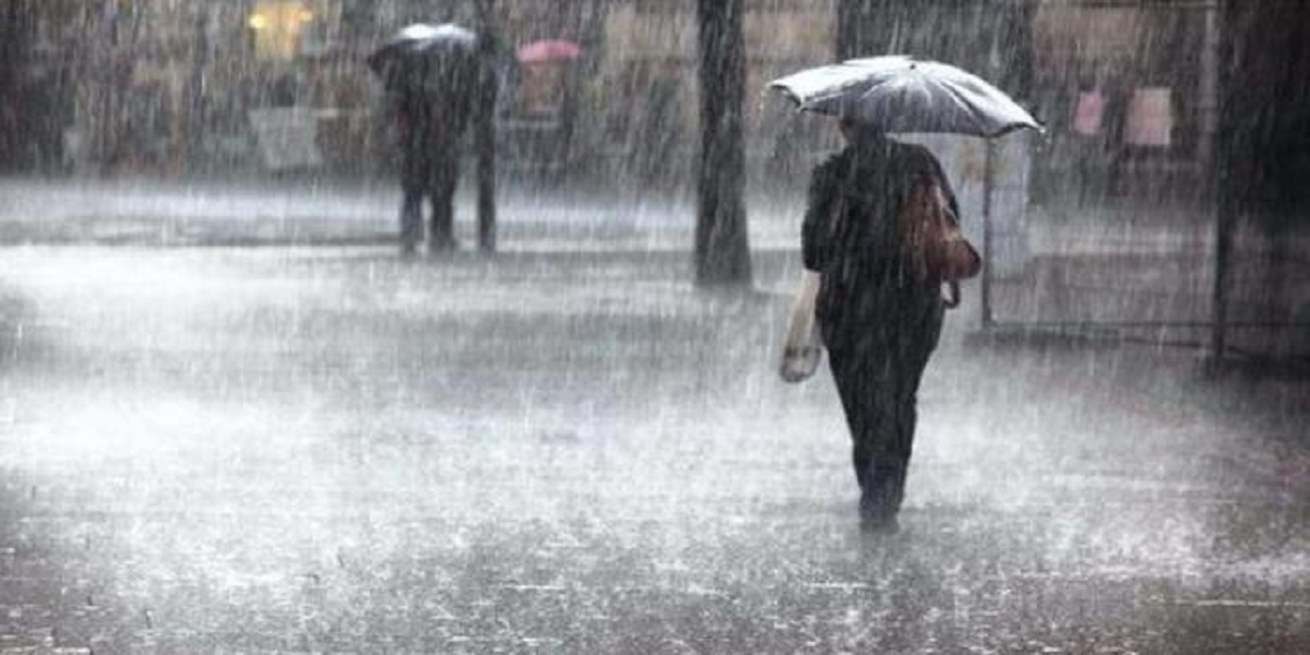 Rainfall with thunderstorm hit Karachi & other areas of Sindh today