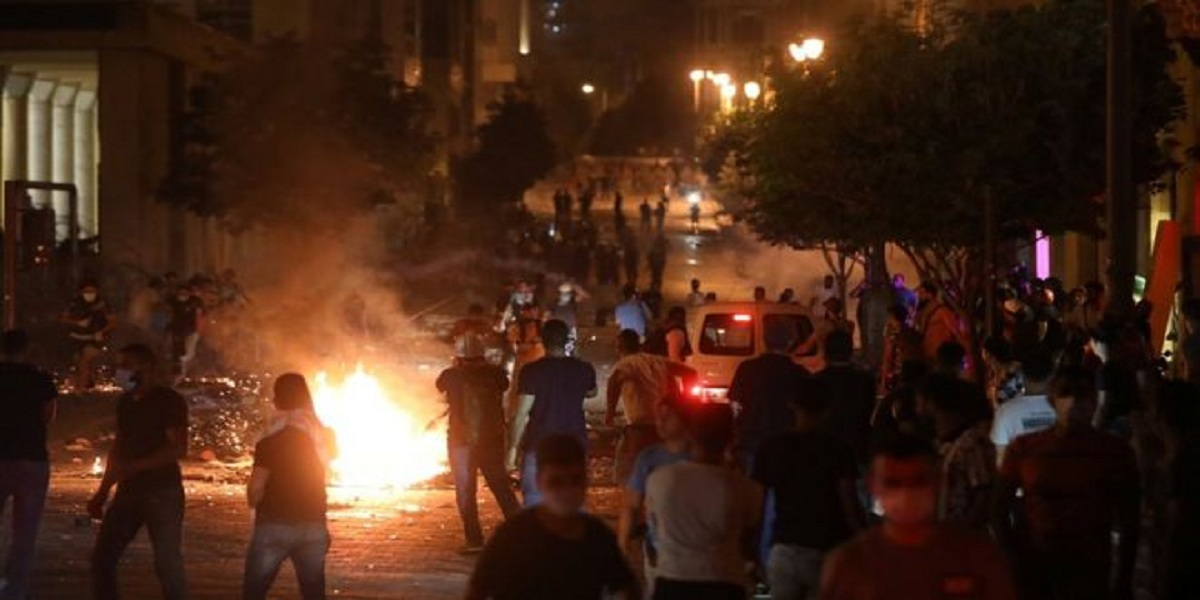 Beirut blast: Clashes occur as demonstrators hold anti-government protests