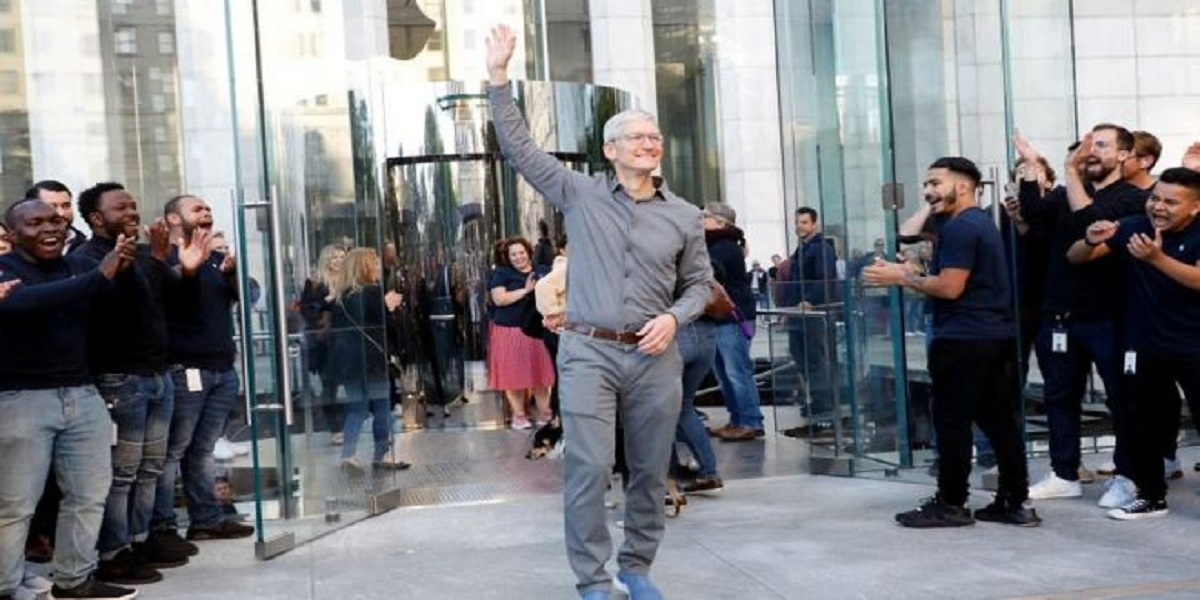 Apple chief Tim Cook joins billionaires club after increase in profit