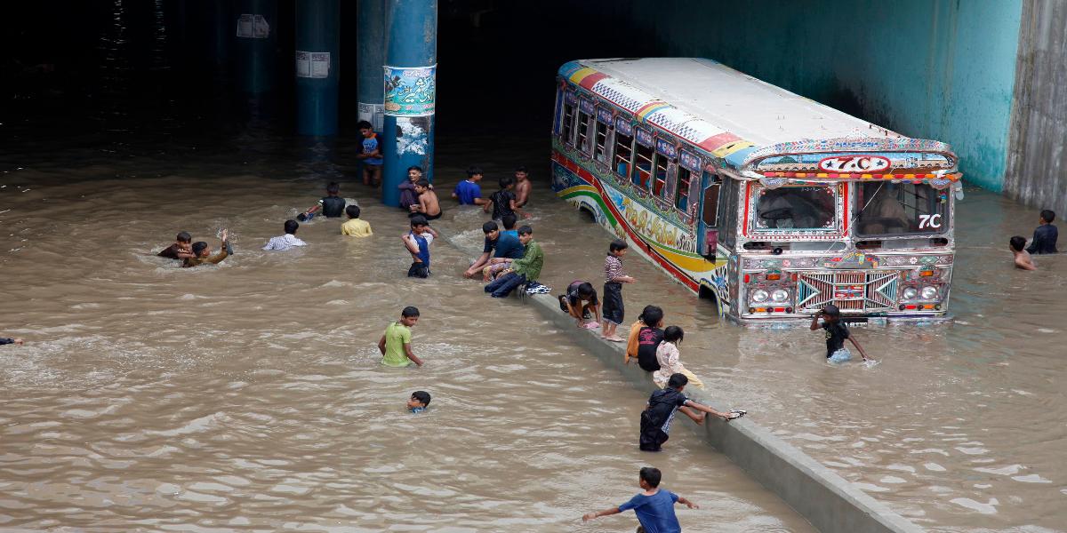 Karachi rain Underpass in water