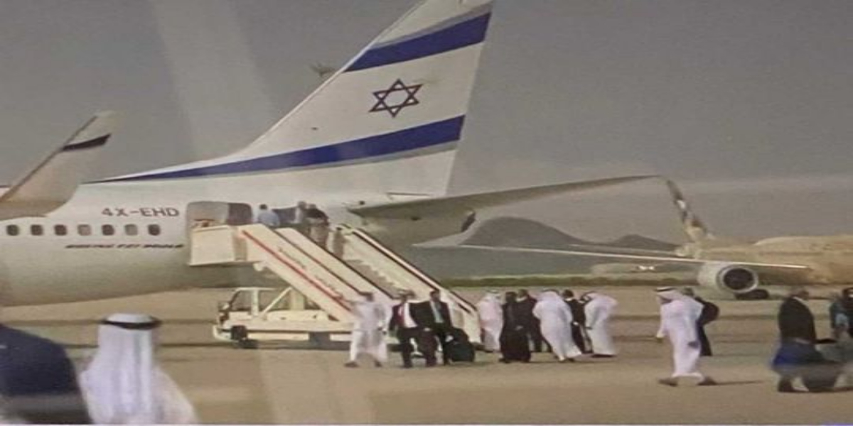 First commercial flight from Israel, equipped with air defense system, lands in UAE