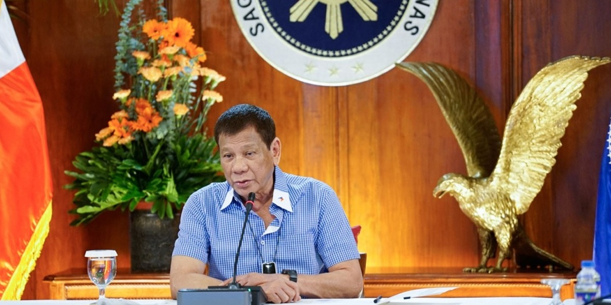 Philippine President once again advises people to wash Face Masks with petrol