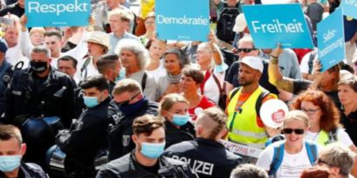 'Anti-Corona' protest in Germany attracts thousands