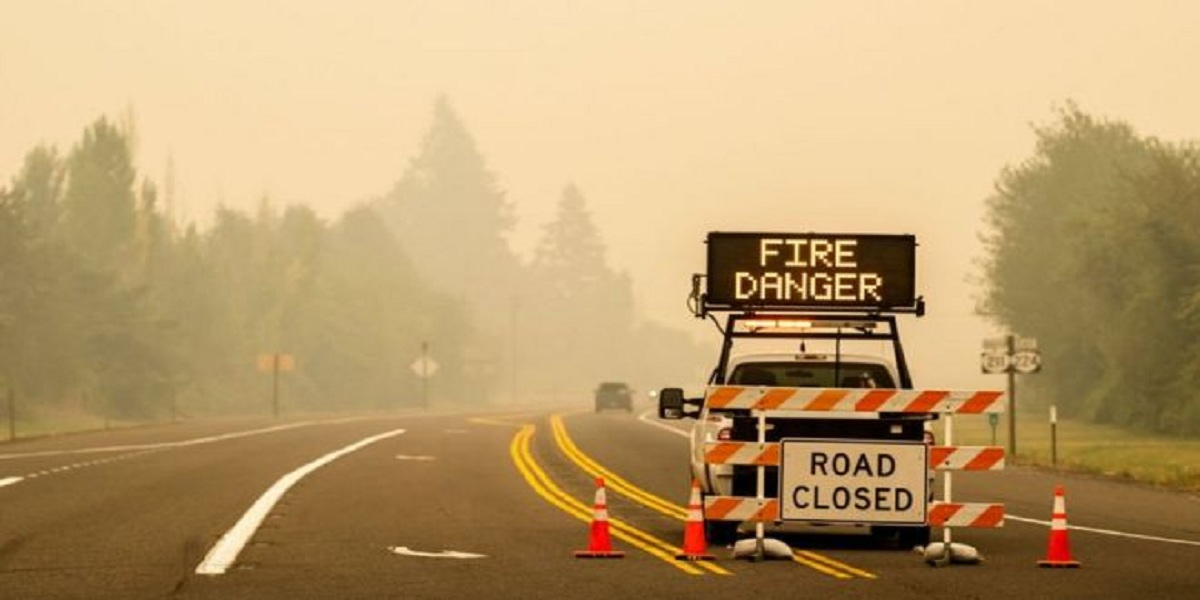 Oregon: More than 500,000 flee deadly wildfires