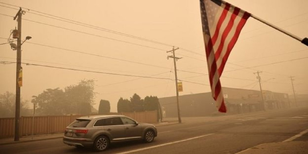 US Wildfires: Weather Service issues red flag warning