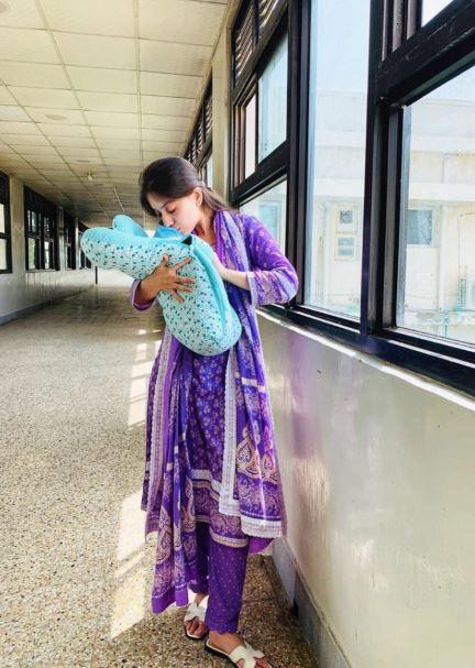 Sara Razi Khan baby girl