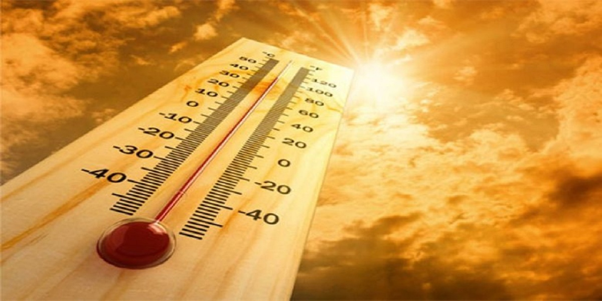 Karachi receives a hot weather today as temperature reaches 38 °C