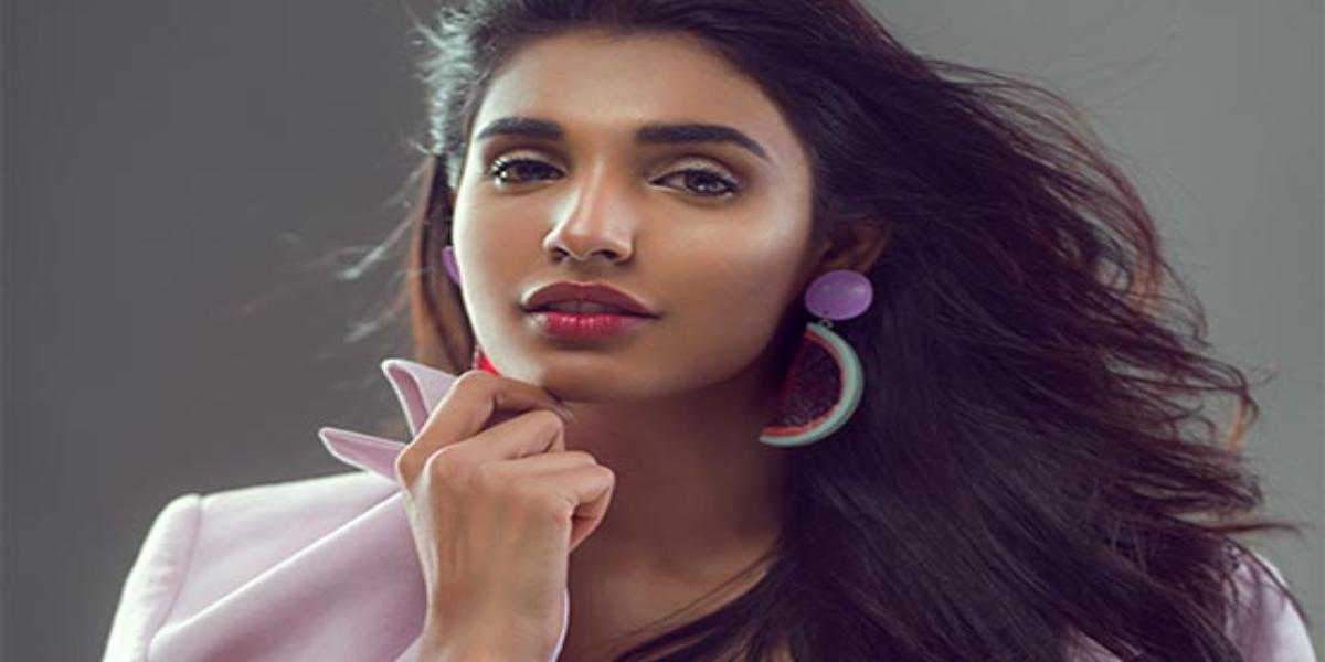 Amna Ilyas new video