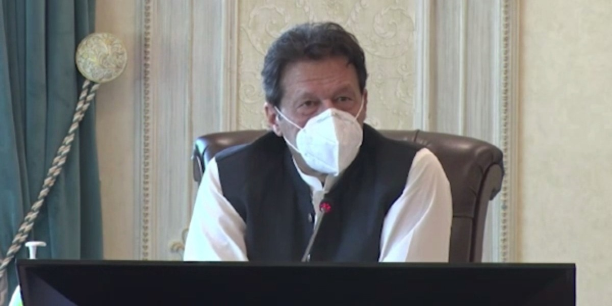 Border fencing will help curb smuggling: PM Imran