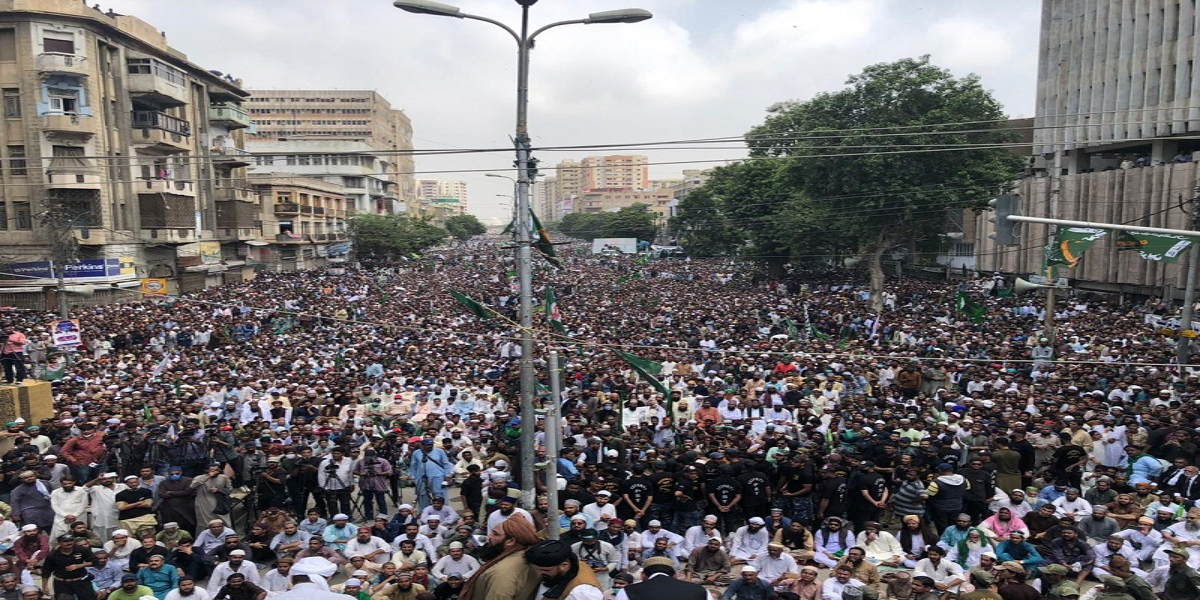 """Jamaat-e-Islami Holds """"Save Karachi And Its Residents"""" Rally"""