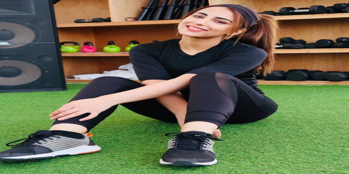 ushna-shahs-latest-pictures-prove-she-is-a-fitness-freak