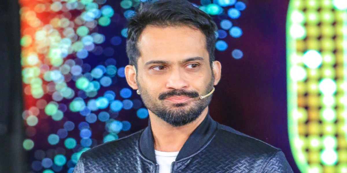 Waqar Zaka TikTok videos