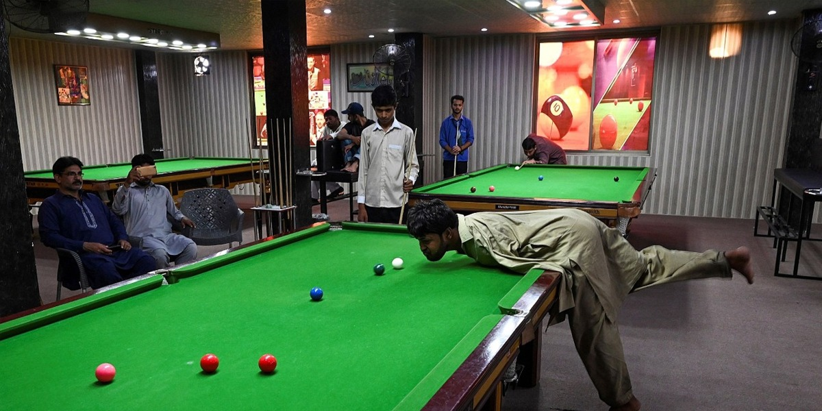 Incredible Pakistani Snooker Player Muhammad Ikram With No Arms