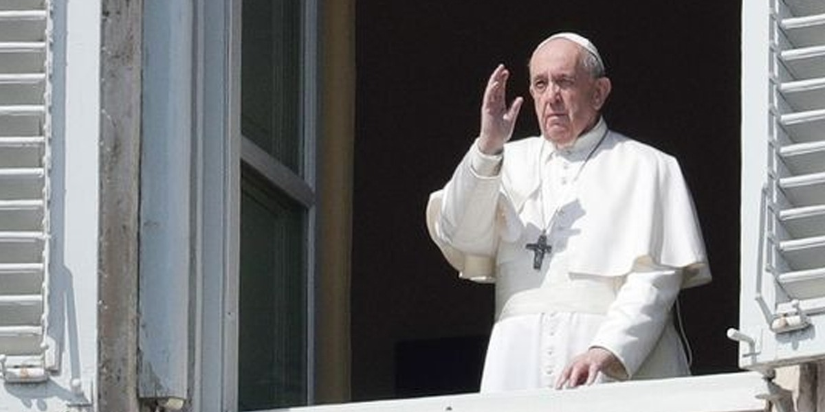 Pope Francis Calls For Legal Protection For Same Sex Couple