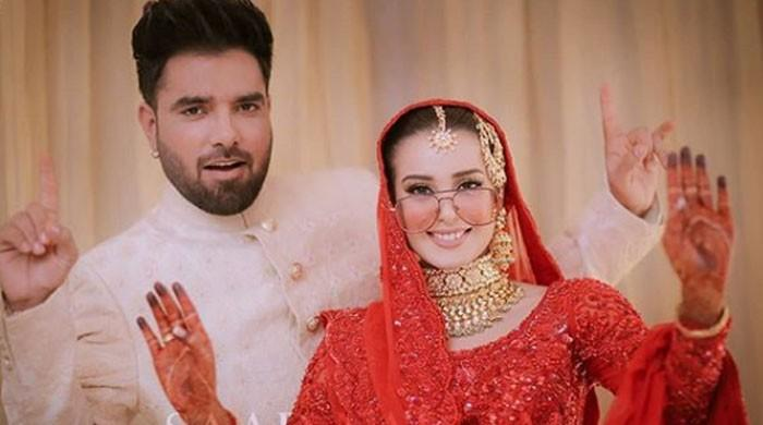 What does Yasir Hussain reveal about wife Iqra Aziz?