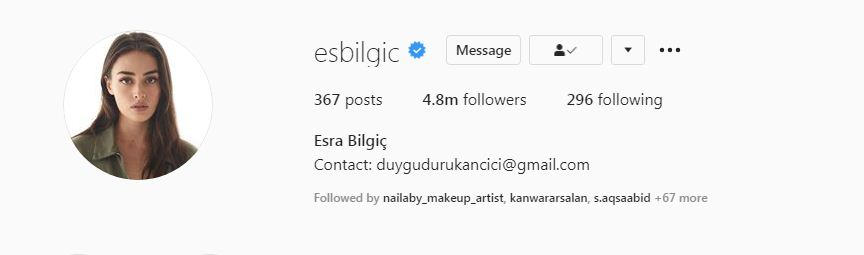 Esra Bilgiç 4 million followers