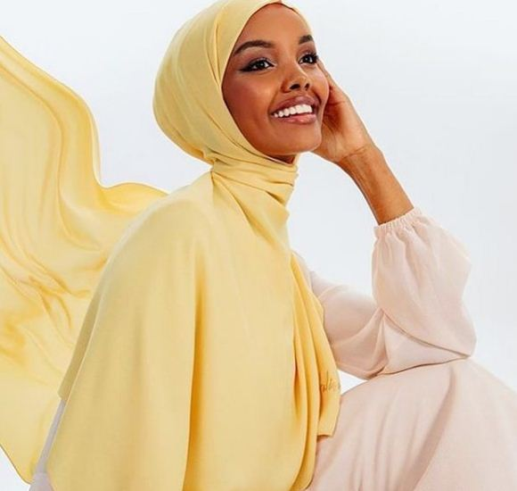 Hijab-wearing model