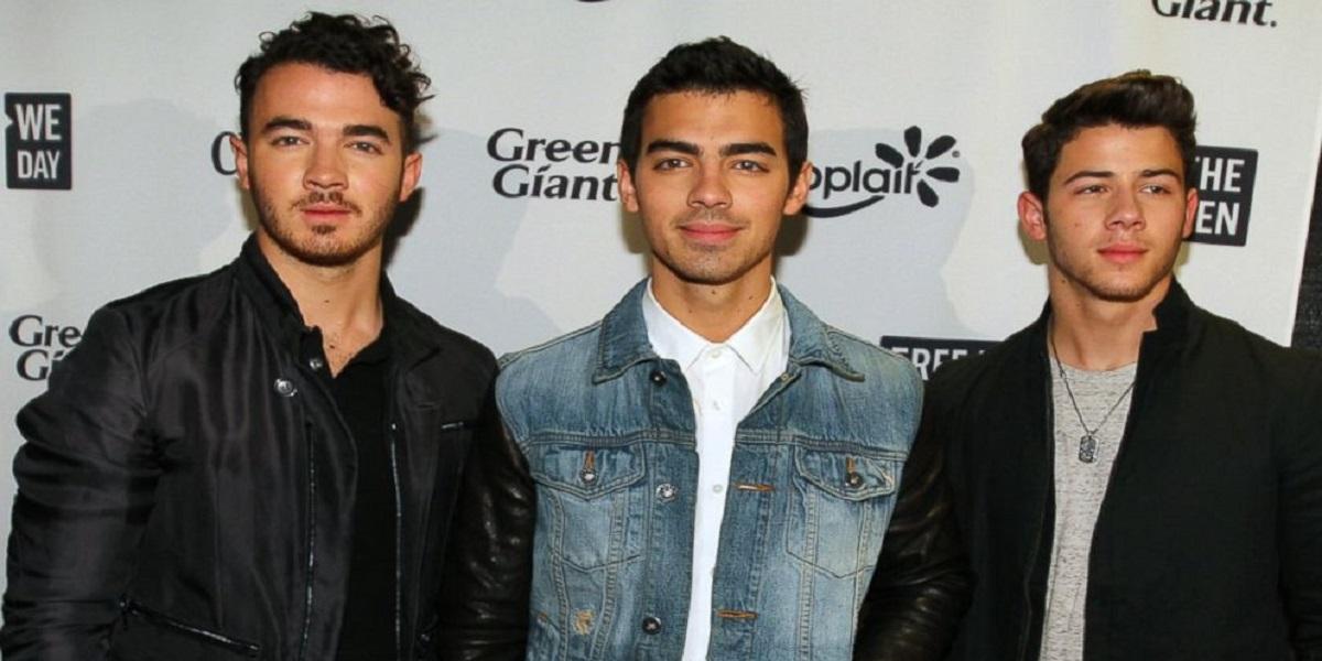 Jonas Brothers black woman