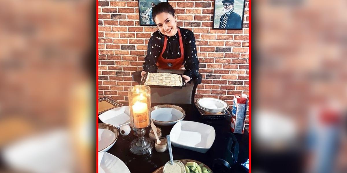 Zara Noor Abbas Shows Off Her Cooking Skills