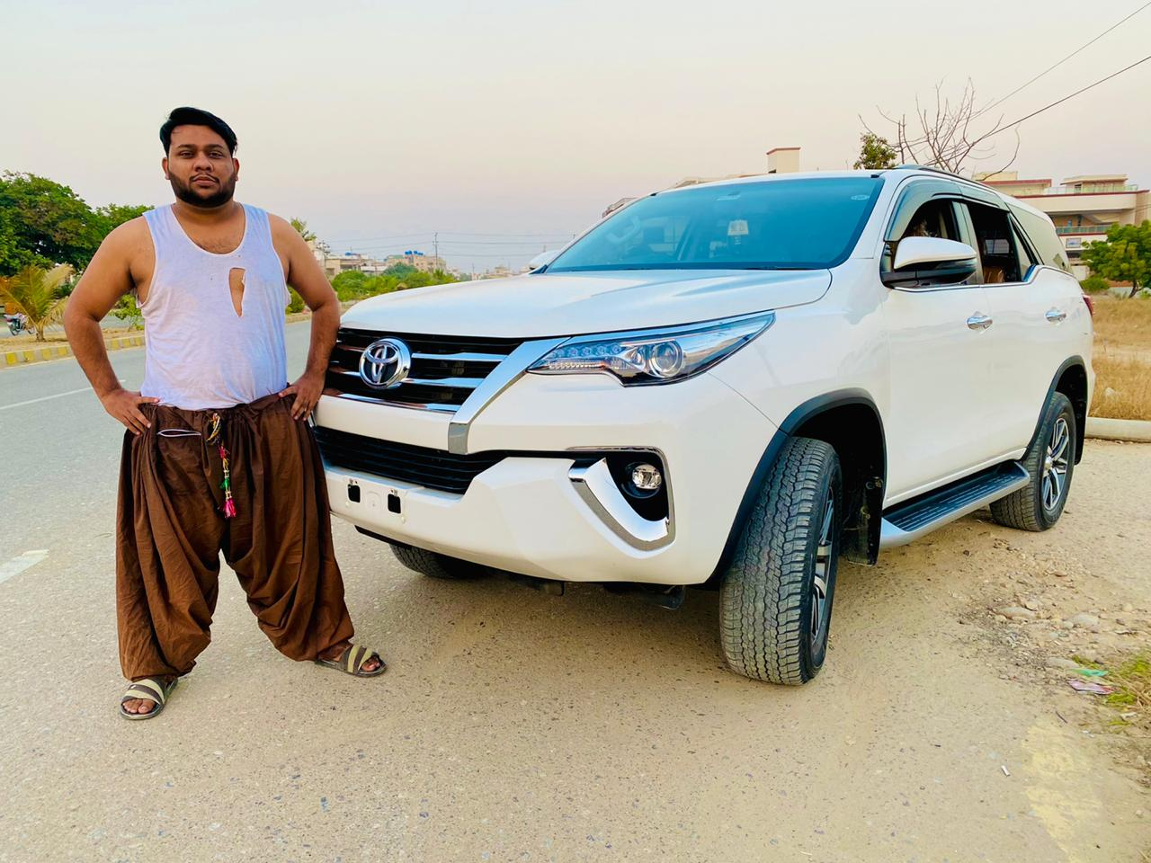Nadir Ali prankster