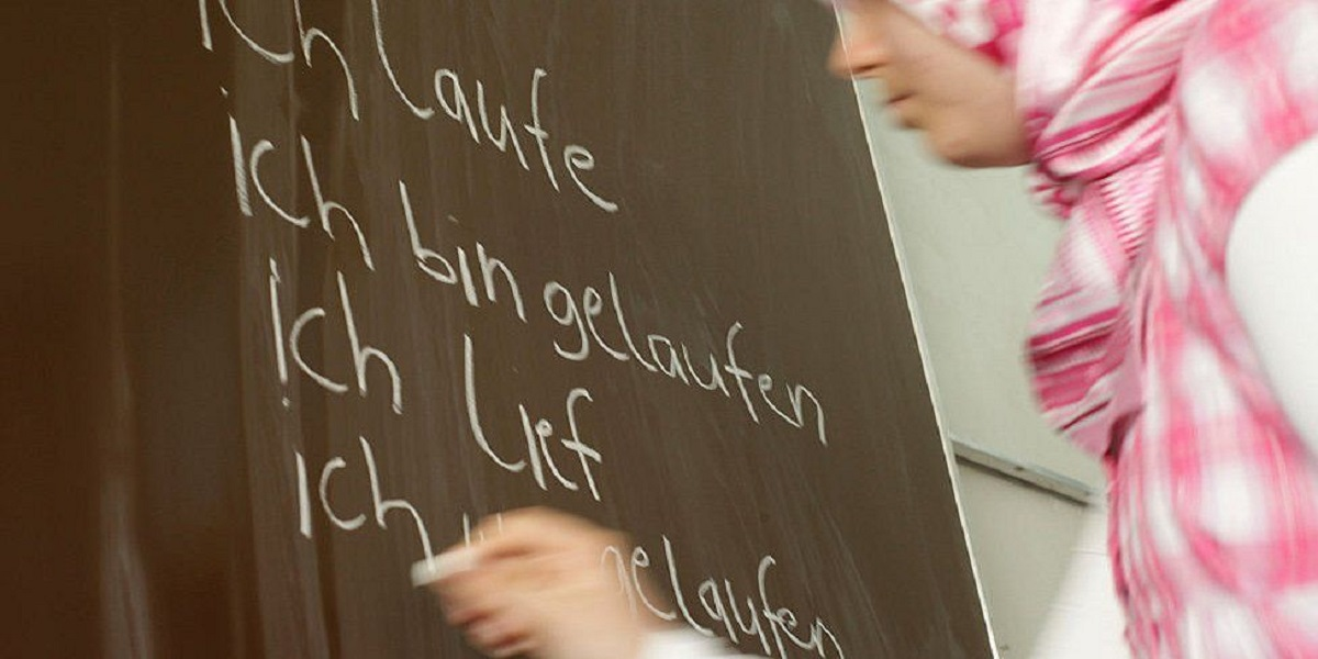 Austria court rejects headscarf ban