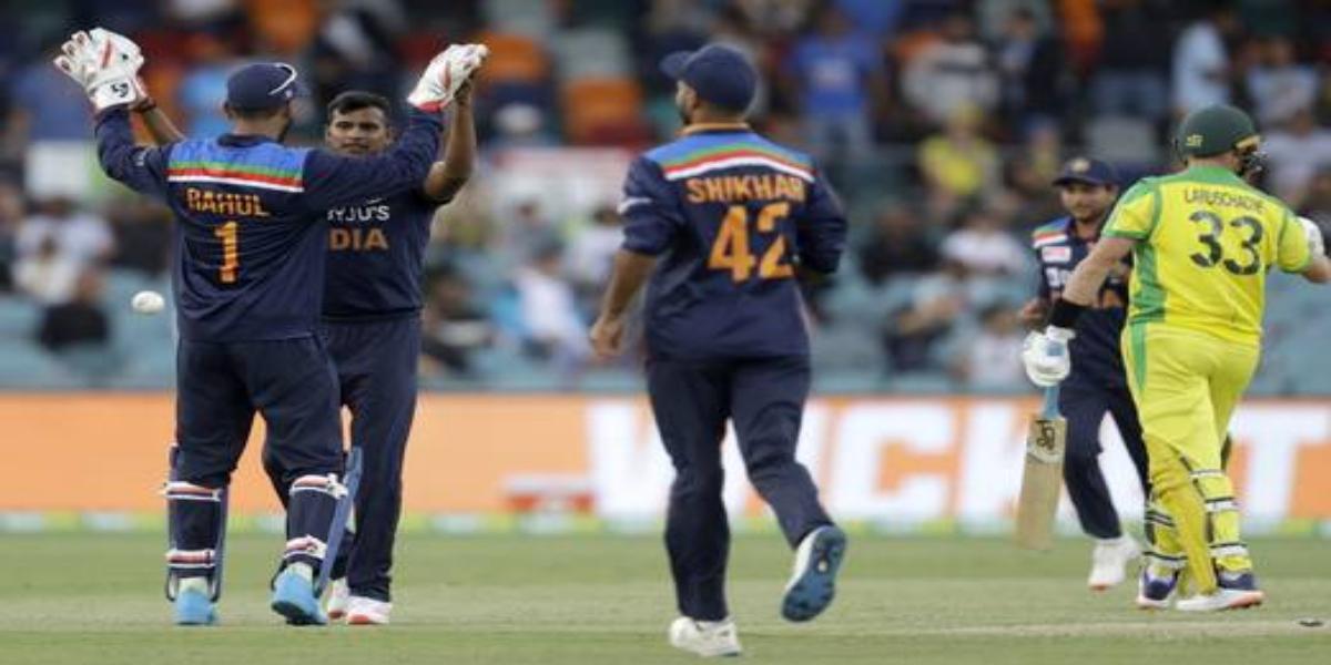 India beats Australia