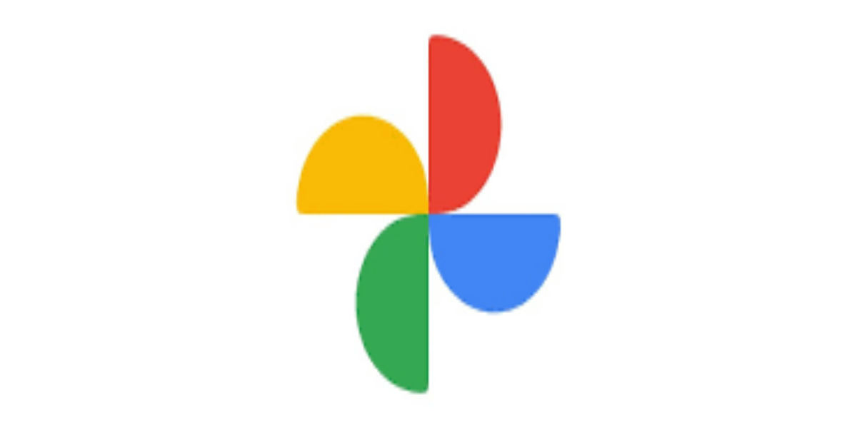 Google photos launching a new feature of Cinematic Photos soon users will receive this update, you'll start to see your Memories brought to life with Cinematic photos, updated collage designs and new features that highlight some of your favorite activities.